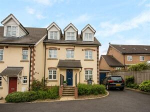 Sandringham Close, WD6